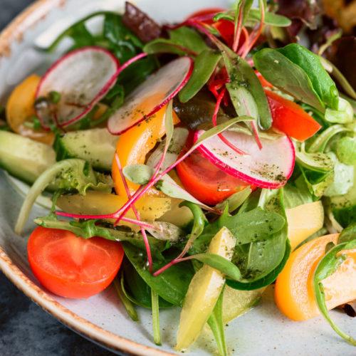 Svaigu darzeņu salāti